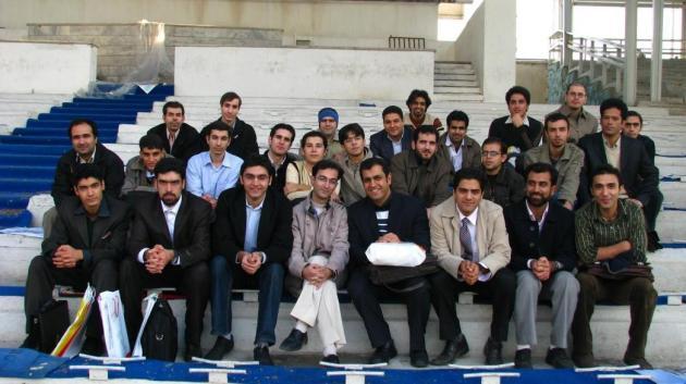 عکس دسته جمعی برنامه نویسها که به میزبانی فوروم برنامه نویس برگزار شد .